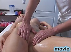 18 year old blonde babes gets naked for her massage then fucks her therapist